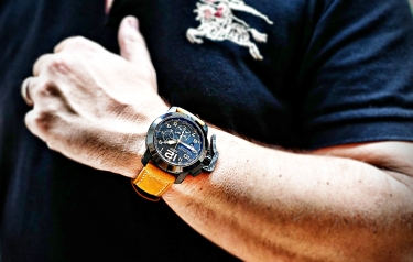 Graham Chronofighter Sahara 6