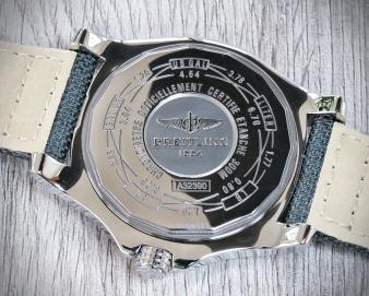 Breitling Avenger GMT 7