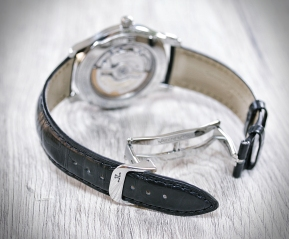 Jaeger-LeCoultre Master Control date 8