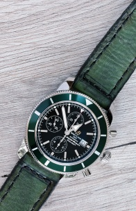 Breitling Superocean Heritage 46 green 3