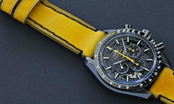 Omega Speedmaster DSotM yellow 5