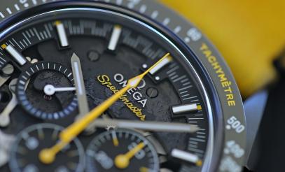 Omega Speedmaster DSotM yellow 6