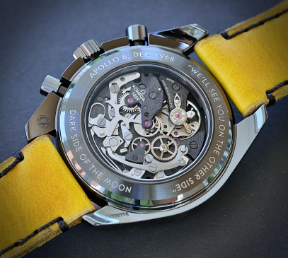 Omega Speedmaster DSotM yellow 7
